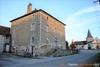 Maison bourgeoise du 19ème siècle à rénover Ref # Li669