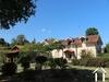 Belle maison dans un charmant jardin avec piscine et étang Ref # EL4814