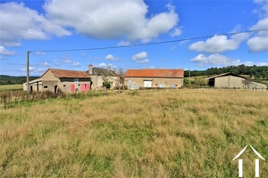 Farmhouse to renovate with outbuildings and 13 hectares