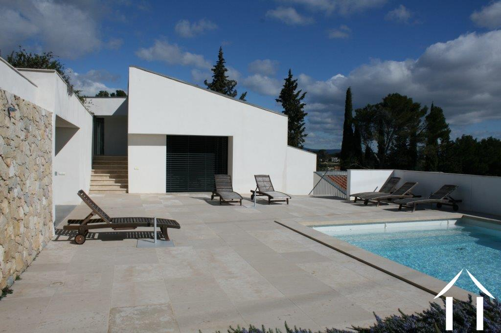 Maison moderne vendre clermont l herault languedoc for Piscine clermont l herault horaires