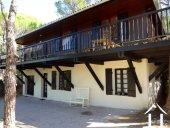 Maison sur site privilégié dans une pinède Provençal Ref # 11-2199 image 8
