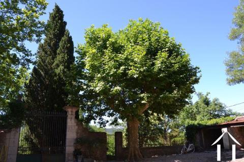 Maison de maître d'un ancien domaine viticole dans Languedoc Ref # 11-2215