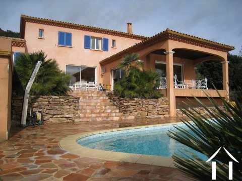 Vaste villa Provençale avec piscine et vues imprenables  Ref # 11-2252