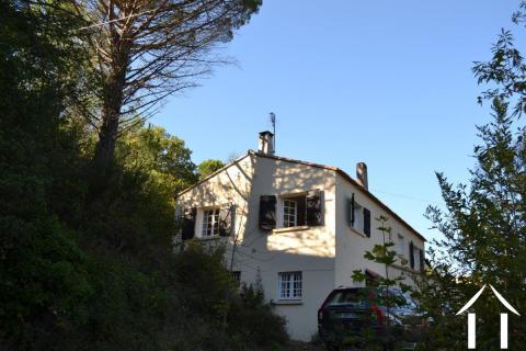 Villa indépendante avec chambre d'amis, jardin boisé et vues Ref # 11-2260