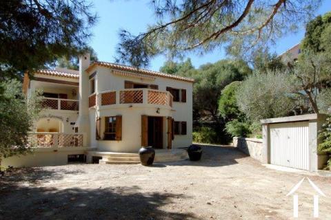 Villa Esconado près de la plage et le Port du Niel Ref # 11-2330
