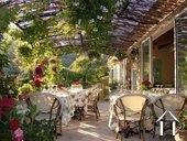 Chambre d\'hôtes unique sur site idyllique en Provence Ref # 11-2347 image 5