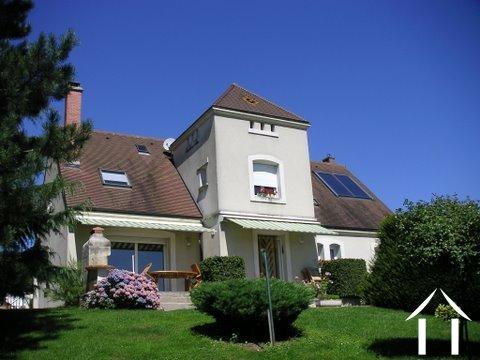 Jolie villa, piscine et vue Ref # BH4845V