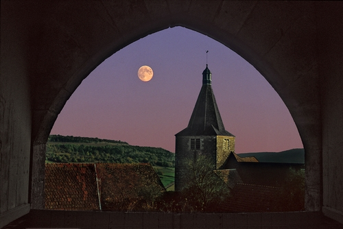 <en>Burgundy also stunning by night</en><nl>Bourgogne Regio Frankrijk</nl>