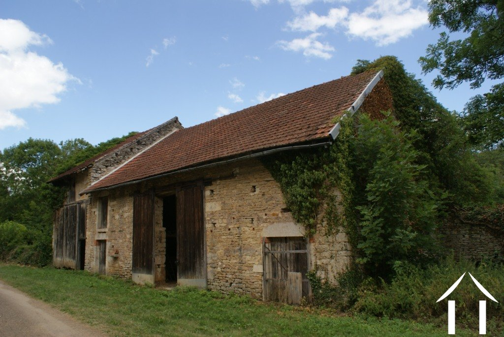 granges et ruines 224 vendre pouilly en auxois bourgogne 4785 france4u eu