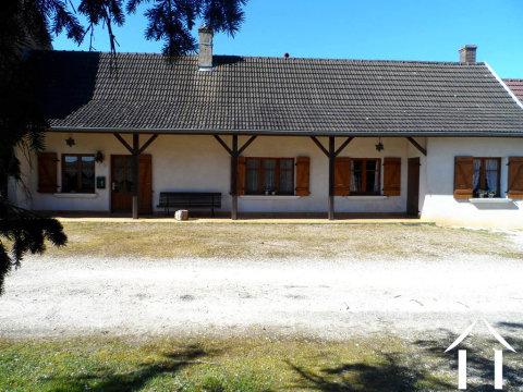 Maison de village avec grand jardin Ref # AH4822B