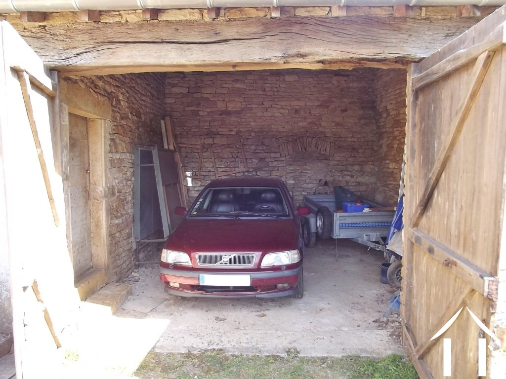 Maison vendre salornay sur guye bourgogne 8841 for Garage ad france