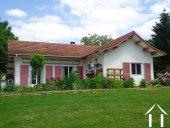 Jolie villa avec B&B et petit camping  Ref # AH4937V image 1 <en>the main house and the front terrace</en>