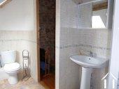 Ancienne ferme avec gite Ref # CR5067BS image 7 en suite shower room for bedroom1