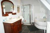 Ancien Prieuré du XVe Ref # RT4974P image 13 Family bathroom