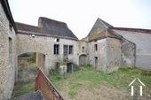Maison en pierre habitable, avec bâtiment a démolir Ref # BH4959V image 11 facade de la ruine
