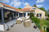 Maison d\'architecte très lumineuse avec piscine et vue Ref # CR5036BS image 10 Veranda