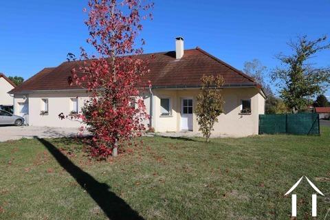 Grande maison familiale dans un village calme Ref # MC4884H