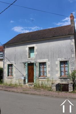 Maison de village et grange Ref # LB4888N