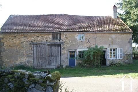 Maison en pierre & grange à rénover Ref # RT4902P