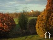 Charmante maison en pierres et joli jardin Ref # RT5088P image 13 vue du jardin