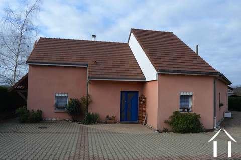 Maison moderne avec vue et piscine Ref # RP4939M