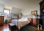 Maison de caractère avec 5 chambres et plusieurs granges Ref # BH5089V image 11 bedroom 3 across from bedroom 2