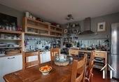 Maison de caractère avec 5 chambres et plusieurs granges Ref # BH5089V image 4 Kitchen
