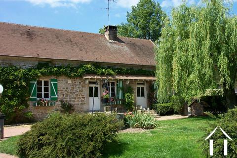 Ancienne maison de ferme avec gîte, potager, mare et terrain Ref # CR4942BS