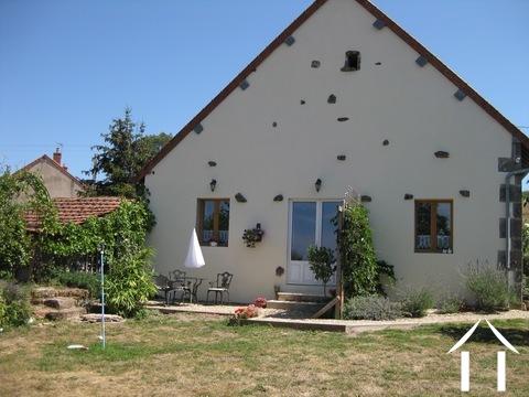 Maison de 3 chambres avec gîte prêt à louer Ref # BH4950V
