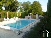 Manoir avec deux gîtes et piscine Ref # BH4953V image 3