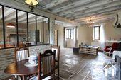 Maison de caractère avec chambres d'hôtes et piscine Ref # IG5020BS image 2 Family room with kitchen