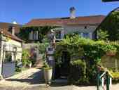 Maison de caractère avec chambres d'hôtes et piscine Ref # IG5020BS image 1 Property