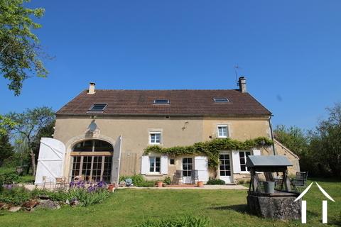 Jolie propriété rénovée en Puisaye Ref # LB4987N