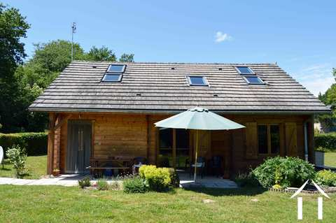 Maison en bois et grand jardin Ref # RP5005M