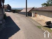 Magnifique vue, maison de 3 chambres Ref # BH5013V image 17 dead end road that separates house from garden and second garage