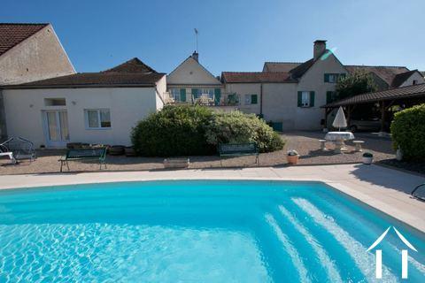 Chambre d'hotes, avec piscine et maison 4 chambres Ref # CR5021BS