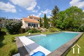 Maison d\'architecte très lumineuse avec piscine et vue Ref # CR5036BS image 1 propriété avec piscine et vue