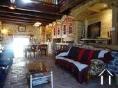 Maison et trois appartements à louer Ref # BH5049V image 2