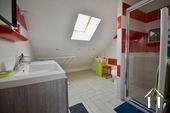 Maison et trois appartements à louer Ref # BH5049V image 27 salle de eaux apt 2