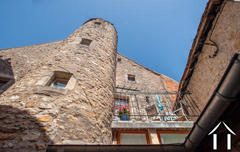 Appartements à vendre dans le centre historique Ref # LB5069N