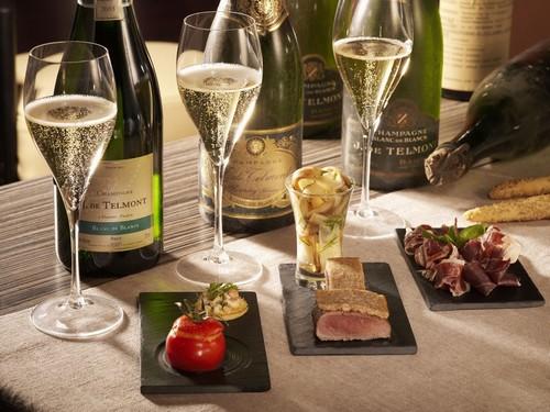 <en>Bubbly champagne</en><fr>La Champagne petillante</fr><nl>De bruisende Champagne</nl>