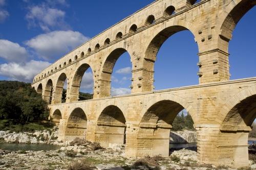 <en>Pont du Gard</en><fr>Pont du Gard</fr>