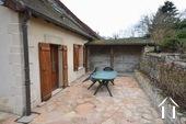 Maison en pierre de 2 chambres, belle qualité Ref # BH5092V image 15 cour-terrasse à l'arrière