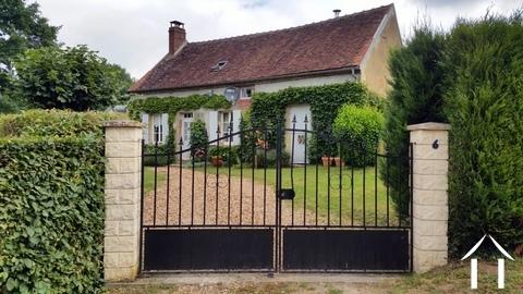 Ravissant cottage en Puisaye Ref # LB5087N
