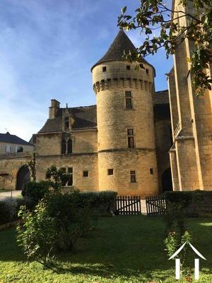 Château Médiéval au coeur d'un village du Périgord Noir Ref # GVS4944C