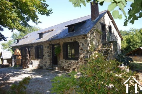 Maison authentique et charmante avec 5 hectares Ref # Li502