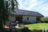 Grange rénovée en 2 maisons avec piscine Ref # Li582 image 2
