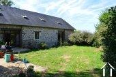 Grange rénovée en 2 maisons avec piscine Ref # Li582 image 37