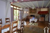 Grange rénovée en 2 maisons avec piscine Ref # Li582 image 7