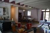 Grange rénovée en 2 maisons avec piscine Ref # Li582 image 6